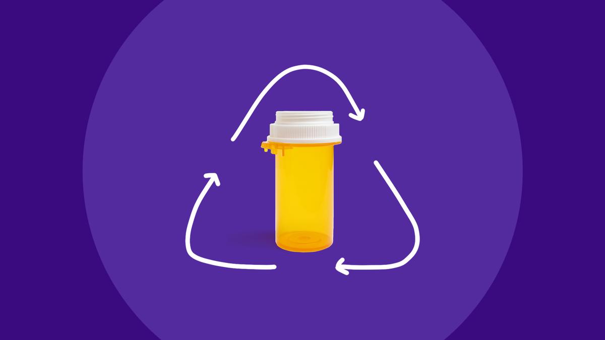 કેવી રીતે ગોળીની બોટલને રિસાયકલ કરવી